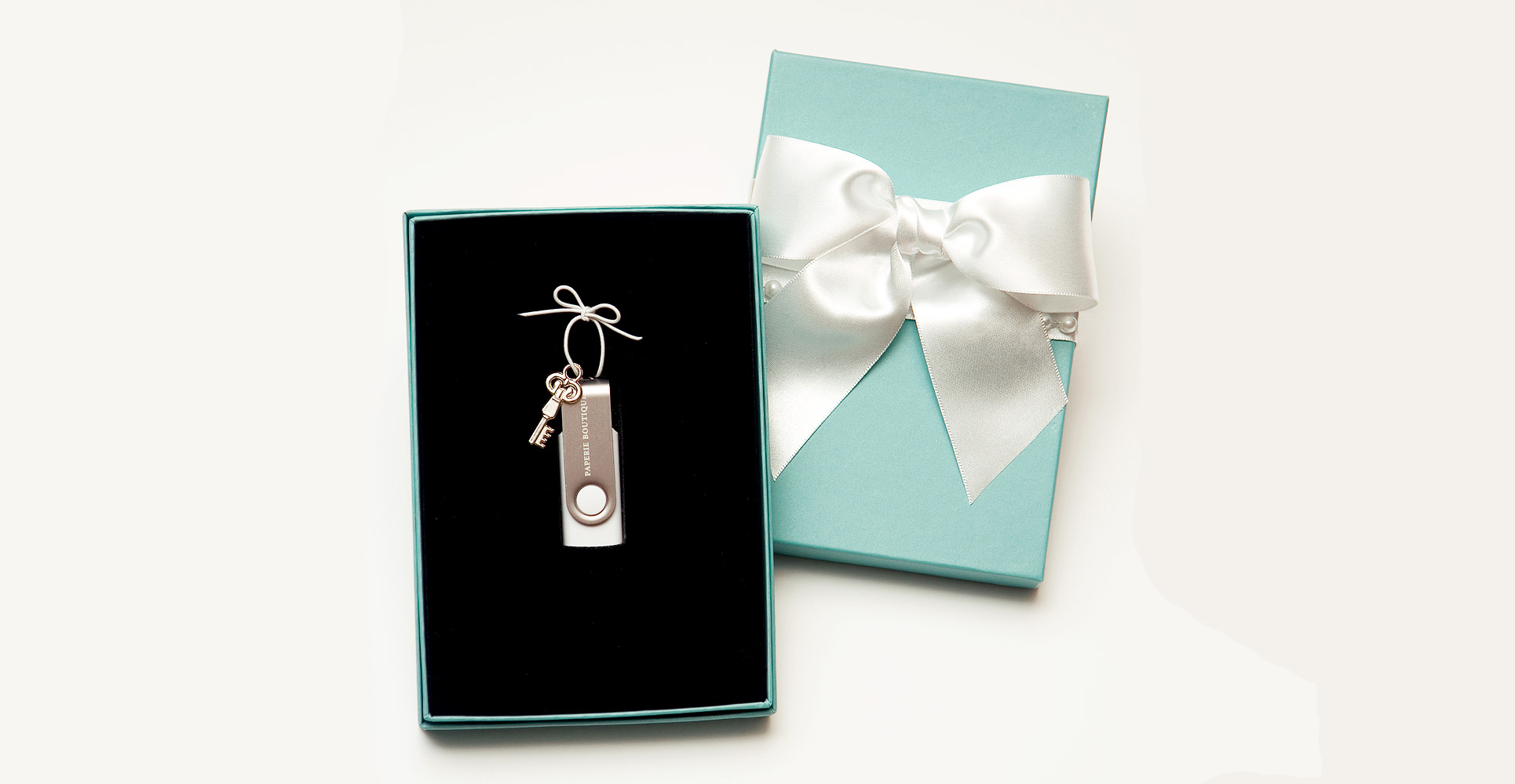usb-drive-paperie-boutique-example-5.jpg